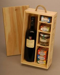 Get The Most Out Of Your Christmas Corporate Gifts – Gift Ideas Anywhere Wine Gift Boxes, Wine Gift Baskets, Basket Gift, Wood Gifts, Diy Gifts, Wood Projects, Woodworking Projects, Build A Farmhouse Table, Honey Packaging