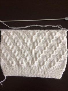 Knitting baby sweaters How? Knitting baby sweaters How? Easy Knitting Patterns, Knitting For Kids, Knitting Designs, Baby Knitting, Stitch Patterns, Loom Crochet, Crochet Baby, Diy Crafts Knitting, Pull Bebe