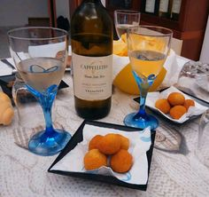 Traminer aromatico con olive ascoltare,  ottimo aperitivo.