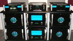 Un buen sistema de mcintosh con amplificadores de 2 KW.