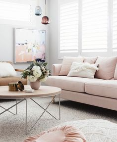 I am obsessed with finding the perfect pink sofa! If you are also in the market, here is the ultimate blush pink sofa guide! I include 30 gorgeous options Living Room Sofa, Home Living Room, Apartment Living, Living Room Designs, Living Room Decor, Bedroom Couch, Rosa Sofa, Deco Rose, Pink Sofa