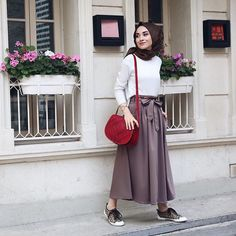 24 Trendy Fashion Style For Teens Casual Chic Modest Dresses, Trendy Dresses, Modest Outfits, Skirt Outfits, Nice Dresses, Casual Dresses, Casual Hijab Outfit, Hijab Chic, Casual Outfits