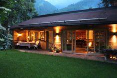 Chalet Tannenhof – Ferienwohnungen zum Wohlfühlen in Tirol – Charming Family Escapes Bungalow, Outdoor Decor, Holidays, Home Decor, Zugspitze, Architecture, Viajes, Lawn And Garden, Holidays Events