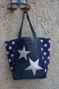 Muriel on Etsy Sacs Tote Bags, Tote Purse, Clutch Bag, Reusable Tote Bags, Fashion Handbags, Purses And Handbags, Diy Sac, Denim Purse, Bag Packaging