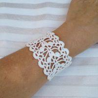 16 Easy Crochet Bracelet Patterns