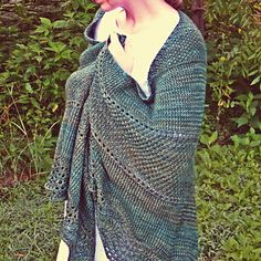 Moss on the Old Oak by Sweet Birch Designs.  I can't get over how lovely this shawl is! And it would knit up so quickly in worsted :D