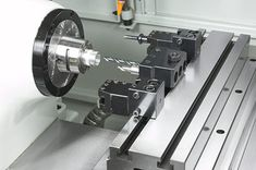 Overview of lathe components, types, operations and applications. Cnc Lathe Machine, Machine Tools, Mini Cnc Lathe, Cnc Controller, Lathe Tools, Tool Steel, Mechanical Engineering, Metal Working, Welding