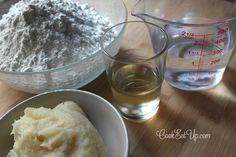 Ζύμη για χωριάτικο φύλλο ⋆ Cook Eat Up! Liquid Measuring Cup, Keto Cheesecake, Greek Recipes, Family Meals, Cooking Recipes, Pudding, Ice Cream, Pie, Sweet