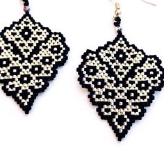 bead embroidery patterns on fabric Bead Crochet Patterns, Bead Embroidery Patterns, Beaded Embroidery, Beading Patterns, Knitting Patterns, Mosaic Patterns, Art Patterns, Color Patterns, Beaded Earrings Patterns