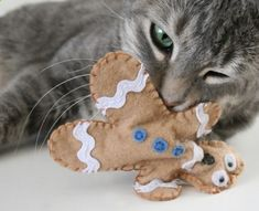 Cats Toys Ideas - Distressed Gingerbread Man Cat Toys - Ideal toys for small cats