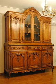 Unique Furniture, Wooden Furniture, Old And New, China Cabinet, Old Things, Antiques, Charleston, Buffet, House