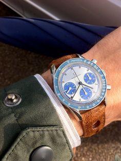 Universal Genève Compax | www.petite-geneve.fr #luxurywatch #UniversalGeneve Universal Geneve Swiss Watchmakers watches #horlogerie @calibrelondon