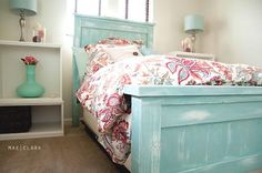 Love love love the color! And, it's the bed spread AMAZING!