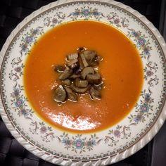 Crema di zucca con funghi