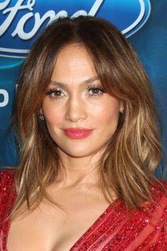 Le carré wavy de Jennifer Lopez : Coiffure : les coupes au carré des stars - Journal des Femmes