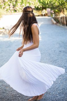 Hey, I found this really awesome Etsy listing at https://www.etsy.com/listing/52163865/pure-white-maxi-dress-in-crinkled-linen
