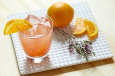 SLOE GIN & ORANGE JUICE: The classic Gin and Juice recipe is given extra fruitiness with Gordon's Sloe Gin. Order a glass of OJ on ice and then add a shot of Sloe Gin Orange Soda, Captain Morgan, Smirnoff, Gin And Juice Recipe, Gin Fizz Cocktail, Orange Creme, Vodka, Coctails Recipes, Slushies