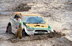 Dakar Rally 2013 in photos Dirt Racing, Off Road Racing, 4x4 Off Road, Road Race Car, Race Cars, Pajero Off Road, Four Hundred, Trophy Truck, Roll Cage