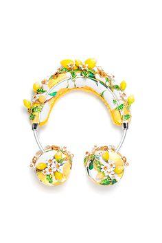 ドルチェ&ガッバーナのヘッドフォン&iPhoneケース - 花々の輝かしいビジュー装飾 | ニュース - ファッションプレス