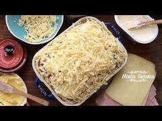 Receita Lasanha de Pão, queijo, presunto, orégano, manteiga, azeite, sal, pimneta do reino, cream cheese e muuuito parmesão! Surpreende!