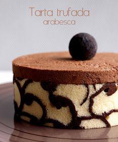 Una deliciosa tarta de chocolate con una bonita presentación. TARTA TRUFADA ARABESCA Ingredientes: Adorno arabesco: 15 gr de mantequil...