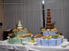 Nasze 2 fontanny: średnia-czekolada biała oraz najwyższa o smaku mlecznym :) www.czekoladowefontanny-imprezy.pl