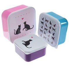 These children's snack boxes featuring a cat design are ideal for storing food and snacks. The containers feature cute cats, and a heart print on white lids with multi-coloured bases. These containers are perfect for school. Black Cat Silhouette, Silhouette Pictures, Plastic Lunch Boxes, Plastic Containers, Food Storage Boxes, Snack Box, Kids Store, Pretty Cats, Cat Design