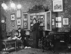 © Photoglobus, Ullstein Bild, Schauspieler Hermann Nissen mit seiner Ehefrau in der Berliner Wohnung   1900