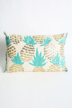 Shiraleah Biscayne Pineapple Pillow | South Moon Under