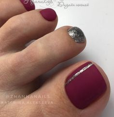 The advantage of the gel is that it allows you to enjoy your French manicure for a long time. There are four different ways to make a French manicure on gel nails. Fall Toe Nails, Pretty Toe Nails, Cute Toe Nails, My Nails, Toe Nails Red, Toe Nail Color, Toe Nail Art, Nail Art Pieds, Gel Zehen