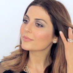 Learn how to create a soft plum smoky eye using the Modernist Eyeshadow Palette in Exposure with beauty blogger Sona Gasparian.