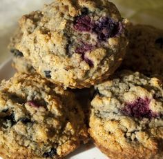 Fruit breakfast muffins Here is my muffin lunch recipe, for a full lunch with a few bites for those in a hurry or those who do not lik. Breakfast Muffins, Breakfast Recipes, Dessert Recipes, Healthy Bars, Healthy Muffins, Croissants, Batch Cooking, Cooking Recipes, Biscuits