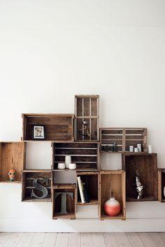 crates on the wall / des cageots au mur … Home Design Decor, House Design, Home Decor, Snack House, Crate Shelves, Eco Architecture, Basement Makeover, Interior Decorating, Interior Design