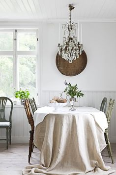 Contemplative Luxury White Sequin Square Tablecloth Embroidered Lace Kitchen Tea Coffee Table Cover Cloth Home Dining Party Wedding Decor Tablecloths