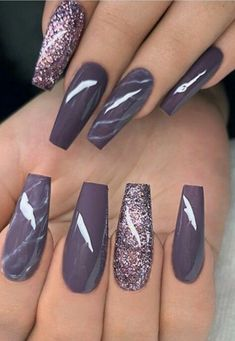 Simple Nail Designs For Short Nails. Nail designs or nail art is a very very simple practice - designs or art utilized to accentuate the finger or toe nails. They are used mostly to further improve a dressing up or lighten up a daily look. Fancy Nails, Cute Nails, Pretty Nails, My Nails, Purple Glitter Nails, Plum Nails, Glitter Nail Polish, Coffin Nails Glitter, Acrylic Nails Almond Glitter
