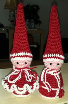 2015 nissepar Crochet Santa, Crochet Christmas, Textiles, Gnomes, Christmas Ornaments, Holiday Decor, Engle, Knitting, Crafts