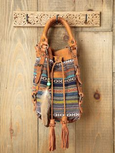 purs, buckets, style, cross body bags, summer bag, leather bags, school bags, tribal patterns, bucket bag