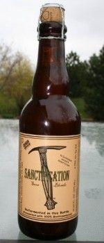 Cerveja Russian River Sanctification, estilo American Wild Ale, produzida por Russian River Brewing, Estados Unidos. 6.75% ABV de álcool.