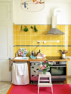Casa Andersen: The yellow kitchen