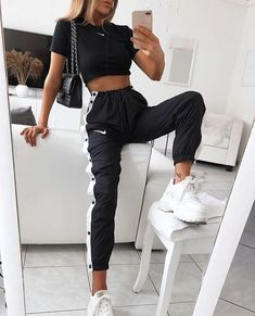 Cute Shoes For Teen Girls Ootd – Source by charlottepicturefeast Jimilaka Mädchen Kleid Prinzessin Vaiana Adventure Kostüm Party Kleid Outfit Cute summer outfits aesthetic ; cute summer outfits for teens, cute summer outfits for women, cute su 69 Most … Winter Fashion Outfits, Look Fashion, Fashion Models, Fall Outfits, Fashion Dresses, Sporty Fashion, Fashion Women, Nike Outfits, Nike Fashion Outfit