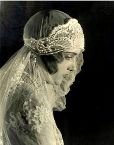 Vintage Wedding Victorian bride - looks more like with that head-dress - so lovely Vintage Wedding Photos, Photo Vintage, 1920s Wedding, Vintage Bridal, Wedding Gowns, Vintage Weddings, Wedding Tips, Dream Wedding, Bridal Gown
