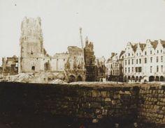 Beffroi, Hotel de Ville, Petite Place à Arras | Recueil. Images diverses de la première guerre mondiale : bataille de la Somme, des Dardanelles, destructions, soldats