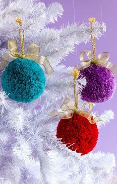 Vivacious And Effervescent Pom Pom Christmas Decor « Sayo Christmas Pom Pom Crafts, Christmas Projects, Christmas Tree Ornaments, Holiday Crafts, Christmas Decorations, Spring Crafts, Christmas Wreaths, Christmas Makes, Kids Christmas