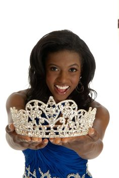 """2011-2012 National American Miss Junior Teen: Raven Delk... I wanna try this pageant. I like how it's diverse, non-glitzy, and there's no """"only the blue-eyed blondes win"""" thing"""