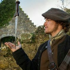 @samheughan is a man of many talents. #OutlanderSeries #STARZ #dirk #balance #JAMMF