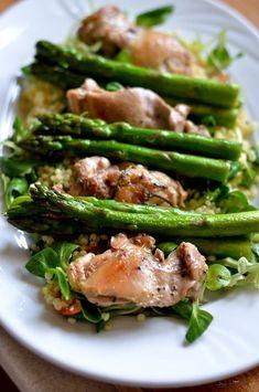 pui cu sparanghel (19) Asparagus, Green Beans, Food And Drink, Vegetables, Studs, Veggies, Vegetable Recipes, Asparagus Bacon