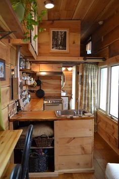 Tiny House Kitchen Ideas - Pick out your preferred tiny house kitchen by leaving a remark at the end of this article. Which one of these tiny kitchens will get all the ballots? Off Grid Tiny House, Small Tiny House, Tiny Houses For Sale, Tiny House Living, Tiny House Plans, Tiny House Design, Tiny House On Wheels, Little Houses, Small Houses