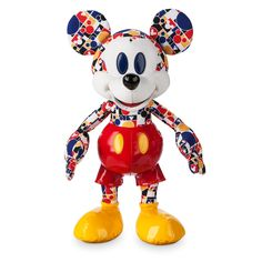 Disney Store Europe have released the Mickey Mouse Memories Collection for March, which includes a plush, mug and pin set. The pin set is priced at [. Mickey Mouse Doll, Disney Mickey Mouse, Tattoos With Kids Names, Son Tattoos, Family Tattoos, Arrow Tattoos, Print Tattoos, Mickey Mouse Tattoos, Disney Furniture