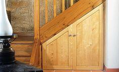 Tutoriel : un placard sous un escalier fait sur-mesure - http://www.systemed.fr/