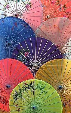 # Art, Wagasa, the traditional japanese umbrella made from bamboo and washi (Japanese paper), is renowned not only for its beauty but also for the precision open/close mechanism. Couple Travel, Art Asiatique, Umbrella Art, Turning Japanese, Art Japonais, Thinking Day, Japanese Paper, Japanese Beauty, Japanese Culture